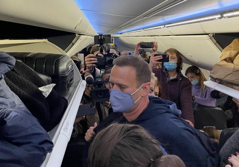 Navalnîi nu a fost lăsat să vorbească nici măcar cu avocații săi