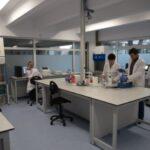 Propunere pentru Guvern: Mobilizați universitățile împotriva pandemiei! Ar putea face secvențieri și prognoze, ar putea educa populația