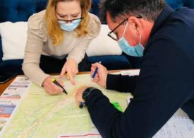 Câmpulung: Primarul Elena Lasconi a descoperit că sunt de 6 ori mai multe străzi fără apă decât apar în documente