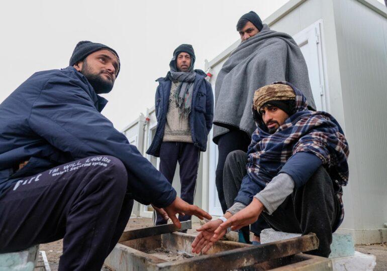 UE îşi suplimentează ajutorul umanitar pentru migranţii aflaţi în situaţie 'inacceptabilă' în Bosnia (Video)