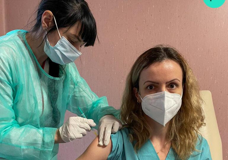 Peste 300.000 de persoane din etapa a doua s-au programat pentru vaccinare. Cum arată distribuţia pe categorii