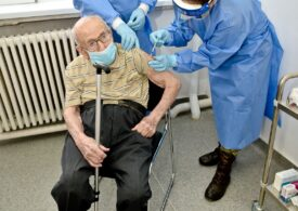 Un veteran de război, de 100 de ani, s-a vaccinat antiCovid: Doar așa ne putem relua viaţa!