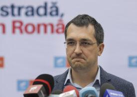 Vlad Voiculescu a fost amendat cu 1.500 de lei pentru că nu a purtat mască pe holurile Parlamentului