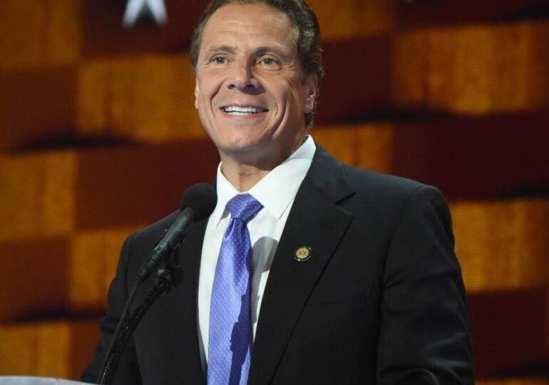 Guvernatorul New York-ului e acuzat că a hărţuit sexual cel puţin 11 femei. Biden îi vrea demisia