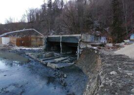 Poluare pe râul Prahova: Ape uzate s-au scurs dintr-o staţie de epurare după ce un perete s-a prăbuşit
