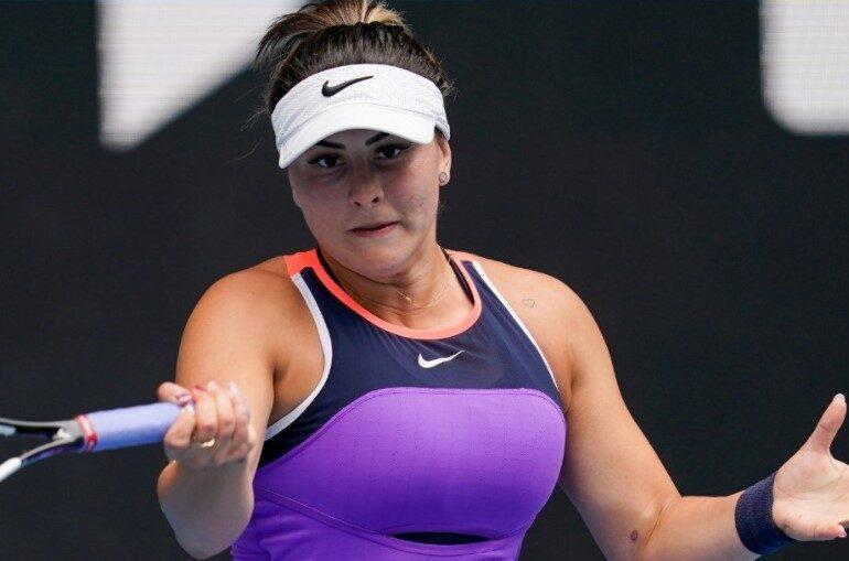 Bianca Andreescu s-a retras de la turneul WTA de la Roma