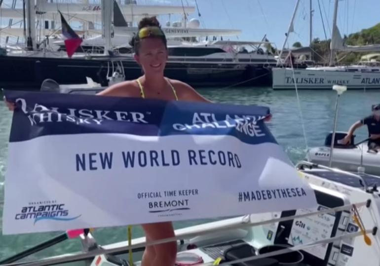 La 21 de ani, a devenit cea mai tânără femeie care a traversat Atlanticul singură, fără pânze sau motor