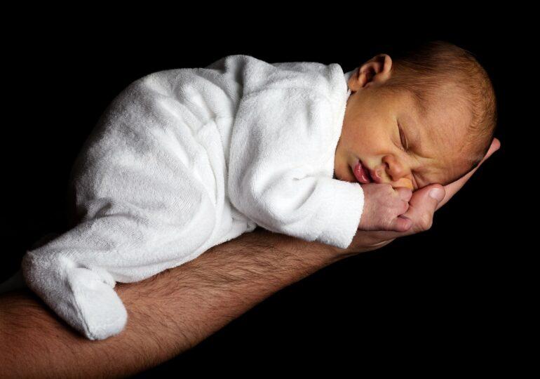 Un nou-născut a cărui mamă a fost vaccinată antiCovid a dezvoltat anticorpi