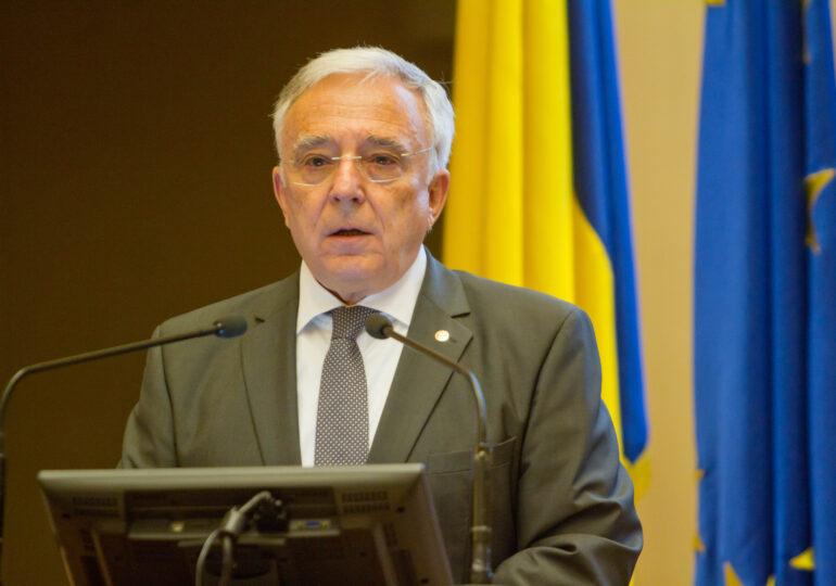 Isarescu (BNR): Băncile să faciliteze ieșirea ordonată a firmelor care nu vor supraviețui crizei Covid
