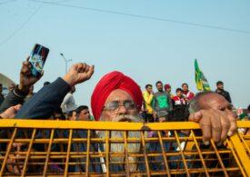 Protestele fermierilor continuă în India: baricade și zeci de mii de polițiști pe străzile din New Delhi
