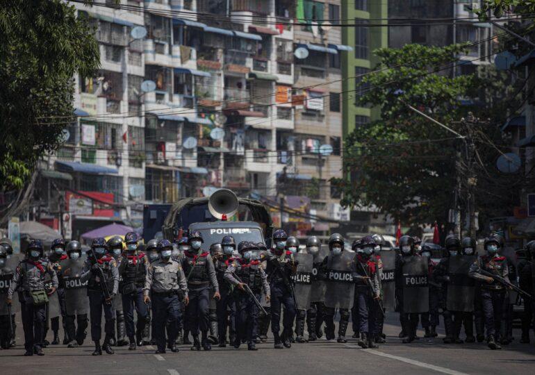 Mai mulţi morţi după ce forţele de ordine din Myanmar au deschis focul spre protestatari