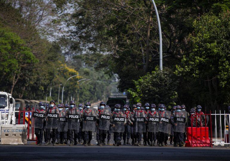 Noi violențe în Myanmar: Poliția a tras cu gloanțe de cauciuc în mulțime și a făcut arestări