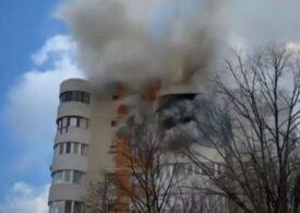 """Incendiu puternic într-un bloc din Constanța. <span style=""""color:#ff0000;font-size:100%;"""">UPDATE</span> Anchetă după ce o femeie a murit sărind de la etajul 6 de frica flăcărilor (Video)"""