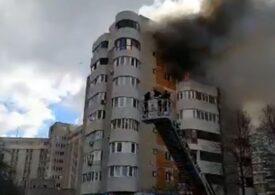 Femeia care a sărit de la balcon de frica flăcărilor a murit: ISU Dobrogea nu are pernă gonflabilă, iar autoscara de salvare a fost adusă la două minute de la momentul căderii