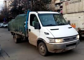 Prima maşină confiscată pentru transport ilegal de deşeuri provenite din construcţii (Video)