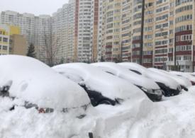 A nins puternic în Moscova. Rușii vorbesc de zăpezi apocaliptice