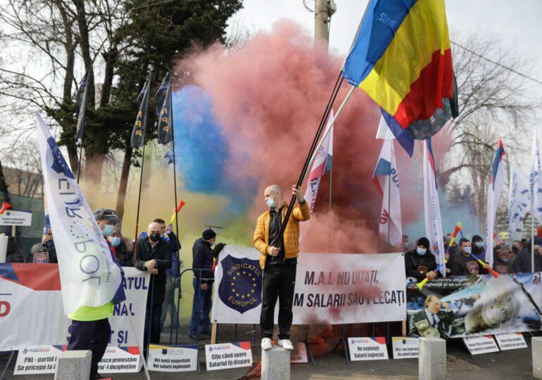 Jandarmii au dat amenzi de 10.000 de lei polițiștilor care au organizat protestul de la Cotroceni