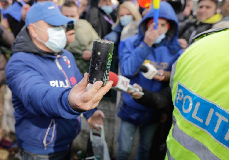 Jandarmeria vine cu noi explicații despre protestul polițiștilor din fața Palatului Cotroceni