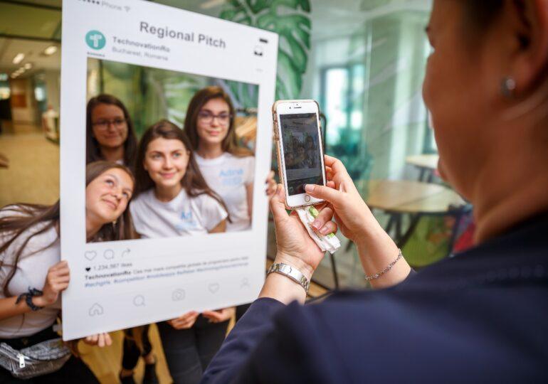 Cum se pregătesc elevele din România pentru un viitor în care toate joburile înseamnă tehnologie
