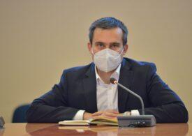 Primarul Braşovului îşi cere scuze public pentru că a parcat pe o trecere de pietoni