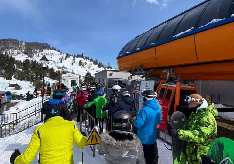 Sezonul de schi s-a închis mai devreme în Sinaia din cauza unor probleme tehnice