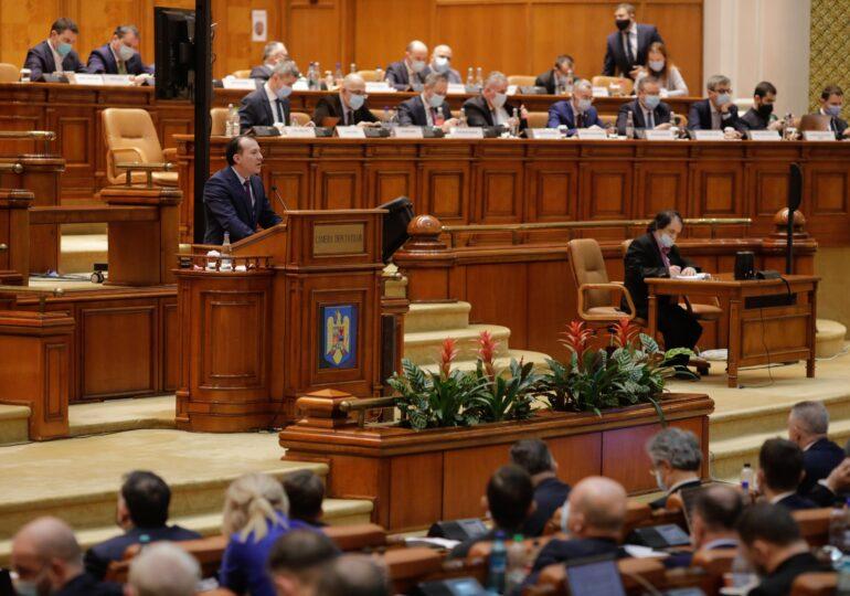 Opt partide, inclusiv PLUS, au fost date în judecată pentru că refuză să spună ce fac cu banii de la buget. Peste 100 de milioane de euro intră anual în conturile partidelor