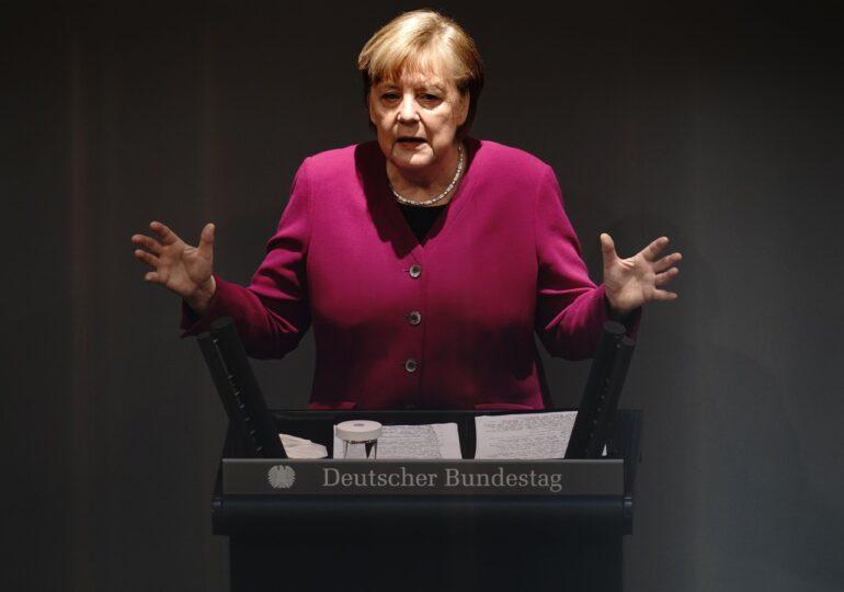 Guvernul Merkel, în cădere liberă