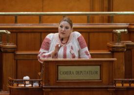 Alina Gorghiu propune sancţionarea Dianei Şoşoacă: Nu poartă mască în sala de plen şi instigă la ură şi haos în luările de cuvânt