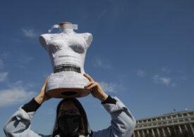 Protest de 8 Martie, în fața Guvernului: Misoginie - cealaltă pandemie! (Galerie foto)
