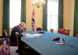 Amânarea plasării în carantină a M.Britanii în decembrie, din cauza guvernului Johnson, a cauzat 27.000 de morţi - raport