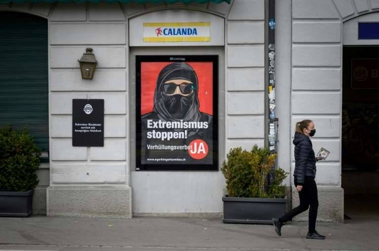 """Elveţienii au votat pentru interzicerea acoperirii feței în public: """"Nu vrem să existe un islam radical în ţara noastră"""""""