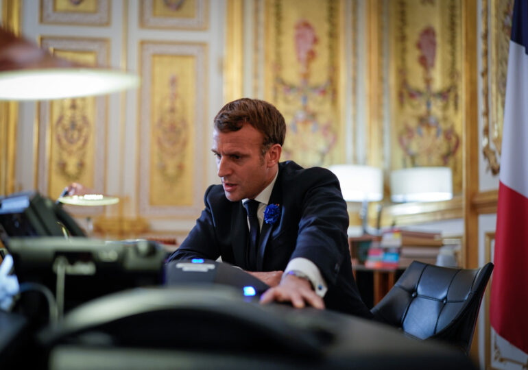 Macron și numeroși politicieni și jurnaliști francezi au fost spionați cu Pegasus