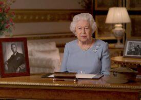 În timp ce prințul Philip a fost mutat într-un alt spital, regina Elisabeta a adoptat doi câini