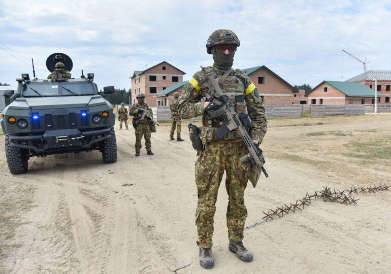 Ucraina privește circumspect retragerea trupelor ruse