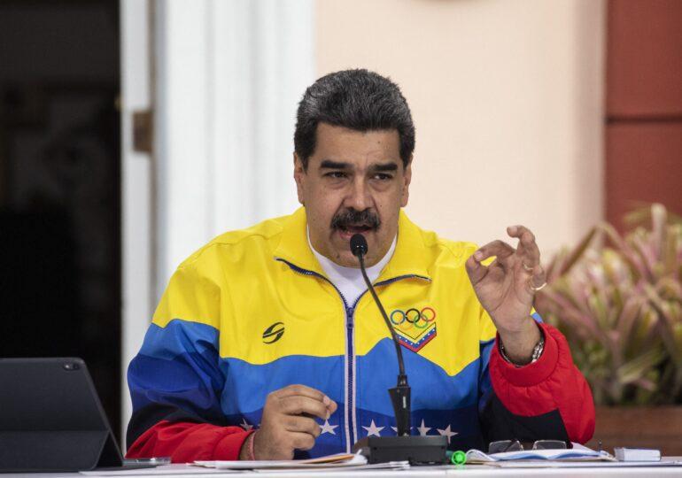 Facebook a blocat temporar contul preşedintelui Venezuelei, pentru dezinformare
