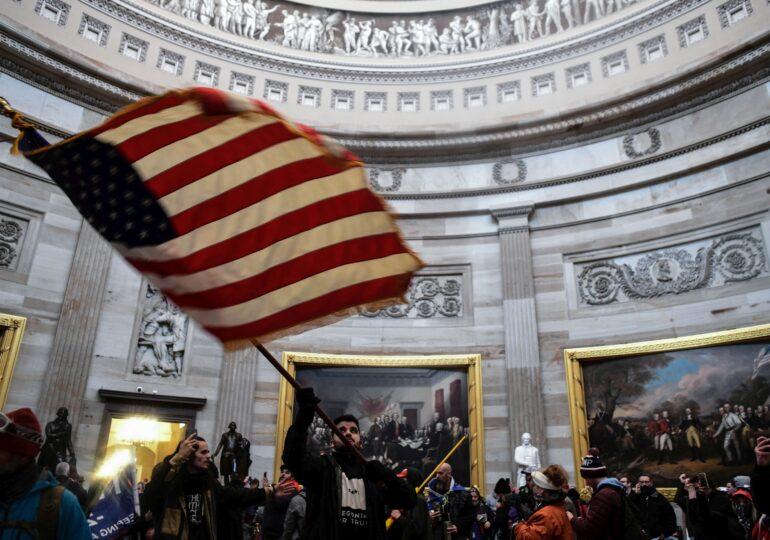"""Cum au văzut americanii imaginile care au dărâmat imaginea Americii. Nu e exclus ca SUA să colaboreze cu talibanii, dar pe sub masă - <span style=""""color:#ff0000;font-size:100%;"""">Interviu Video</span>"""