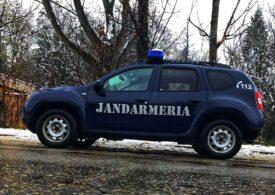 Verificări la Jandarmeria Teleorman după ce în spaţiul public au apărut imagini cu subofiţeri care nu poartă mască în autospeciala instituţiei