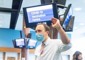 """Jumătate din populaţia adultă din Marea Britanie a primit o doză de vaccin anti-COVID-19: """"Un succes uriaș"""", spune ministrul Sănătății"""