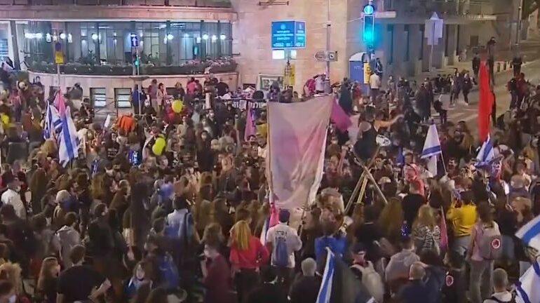Zeci de mii de israelieni au manifestat împotriva lui Netanyahu, cu trei zile înainte de alegerile legislative (VIDEO)