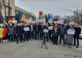 Protest AUR la Ministerul de Externe, după ce George Simion nu a fost lăsat să intre în R. Moldova