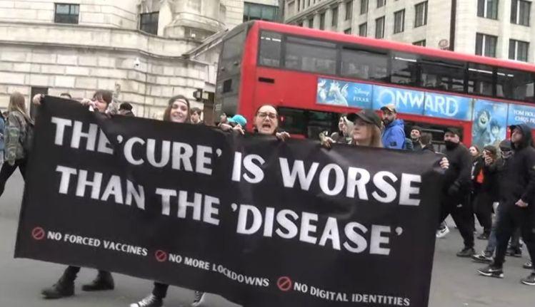 Londra: Manifestaţie anti-restricţii cu mii de participanţi (VIDEO)