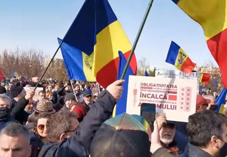 Proteste în pandemie: La București se contestă vaccinarea obligatorie, la Timișoara - carantinarea orașului UPDATE