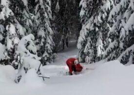 Un turist neechipat corespunzător s-a accidentat în Munții Șureanu: A fost recuperat de trei salvatori montani (Video)