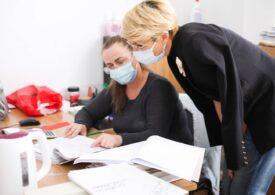 Firmele cu până la 9 angajați nu mai trebuie să le facă fișa postului sau foaie de prezență
