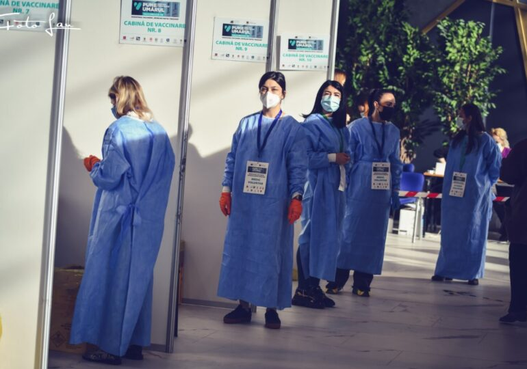 Peste 2 milioane de români au fost vaccinați complet împotriva COVID-19