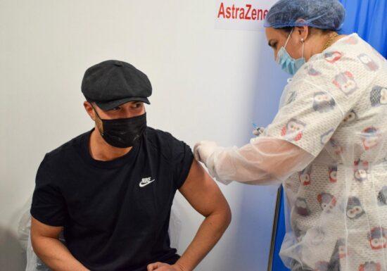 Mihai Bendeac s-a vaccinat cu AstraZeneca: Vreau să dau încredere în oamenii de știință, în medicină, în vaccinare