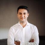 De vorbă cu arhitectul care a creat în România cel mai sustenabil proiect din Estul Europei: Blocuri comuniste vs. Clădiri verzi, încotro ne îndreptăm?