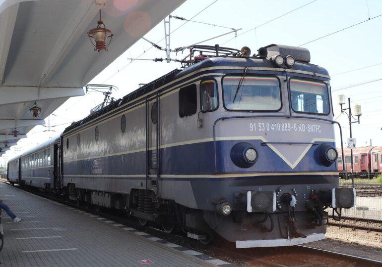 CFR anunță că trenurile vor merge și mai încet duminică, din cauza caniculei