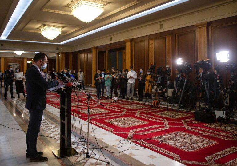 Prima reacție a lui Vlad Voiculescu după ce a fost revocat de la Ministerul Sănătății vine cu multiple atacuri la premierul Cîţu, pe care l-a comparat cu Tudorel Toader