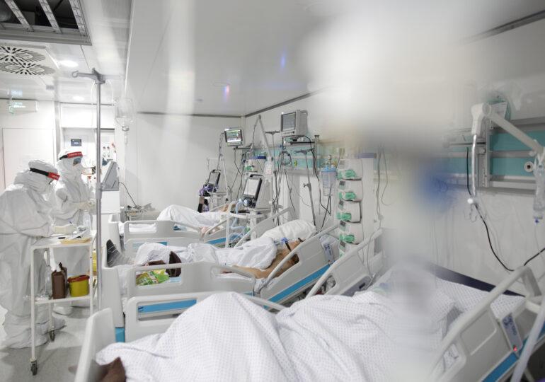 Am putea avea până la 4.000 de cazuri de COVID pe zi la finalul lui septembrie. Se fac pregătiri în spitale, mai ales pentru copii (Video)